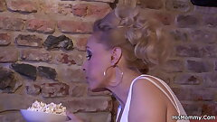 Teen dame toying mature lesbian mother